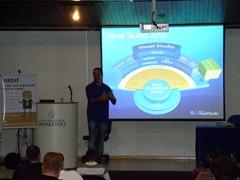 Ramon Durães palestrando no evento DevBrasil OpenDay 2012 em Curitiba sobre Team Foundation Server 11 e Visual Studio 11