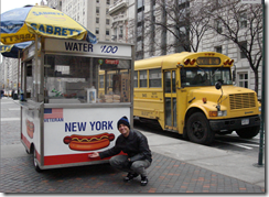 Ramon Durães com Hot Dog em New York